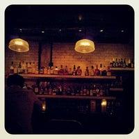 Снимок сделан в Bar Neon пользователем Derick A. 9/15/2012