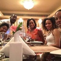 Das Foto wurde bei Utsav Family Restaurant von Darnell W. am 2/20/2015 aufgenommen