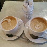 Foto scattata a Nolita Mart & Espresso Bar da Zorana il 11/25/2014
