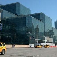 Foto diambil di Jacob K. Javits Convention Center oleh Ken P. pada 5/30/2013