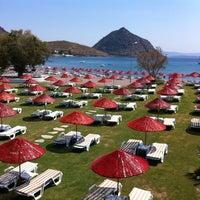 Foto diambil di İncir Beach oleh Servet A. pada 11/23/2012