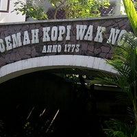 Снимок сделан в Roemah Kopi Wak Noer пользователем rahmat r. 2/2/2013