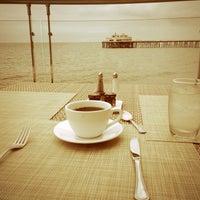 รูปภาพถ่ายที่ Malibu Beach Inn โดย Anton K. เมื่อ 6/3/2013