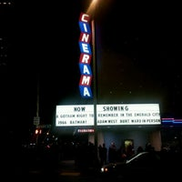 Foto scattata a Cinerama da Uptown S. il 3/1/2013