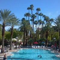 รูปภาพถ่ายที่ MGM Grand Pool โดย Michelle M. เมื่อ 9/21/2012