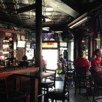 Foto tirada no(a) Halligan Bar por Charlie K. em 5/18/2013