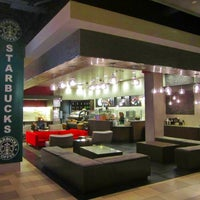 Снимок сделан в Starbucks пользователем Volker N. 10/23/2012