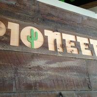 รูปภาพถ่ายที่ Pioneers Western Kitchen โดย Sephie💋 เมื่อ 12/22/2012