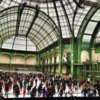 Foto tirada no(a) Grand Palais por Loic L. em 12/23/2012