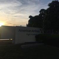 Foto tirada no(a) American Airlines Flight Academy / IOC por Brian C. em 4/24/2016