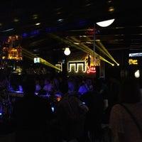 Photo prise au M Pub & Lounge par ® le10/3/2012