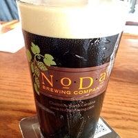 รูปภาพถ่ายที่ NoDa Brewing Company โดย Adam H. เมื่อ 6/28/2013