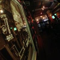 รูปภาพถ่ายที่ Wonder Bar โดย Mike W. เมื่อ 8/2/2013