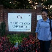 รูปภาพถ่ายที่ Clark Atlanta University โดย Brandi G. เมื่อ 10/25/2013