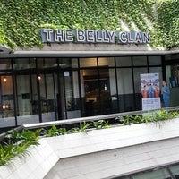 Foto tirada no(a) The Belly Clan por Tania Tany L. em 4/14/2013