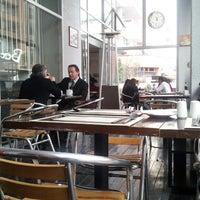 Снимок сделан в Alberto Restobar & Lounge пользователем Adolfo H. 8/1/2013