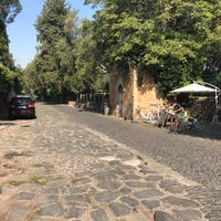 Foto scattata a Appia Antica Caffe da Filip K. il 10/3/2017