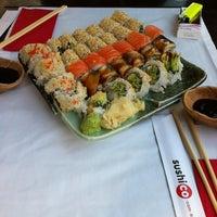 10/27/2012 tarihinde Sylwia D.ziyaretçi tarafından SushiCo'de çekilen fotoğraf
