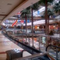 Photo prise au Pondok Indah Mall 2 par Amru H. le2/8/2014