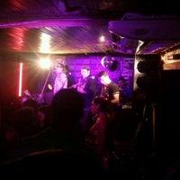 Foto diambil di Decky Bar oleh Brenno A. pada 9/30/2012