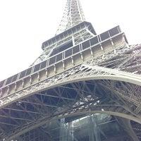 Foto tirada no(a) Restaurant 58 Tour Eiffel por John W. em 6/24/2013