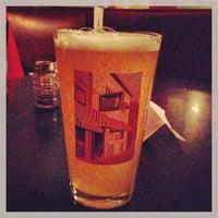 Photo prise au The Torch Bar and Grill par Seung Min 'Mel' Y. le4/25/2013