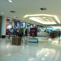 รูปภาพถ่ายที่ Shopping Recife โดย Glen S. เมื่อ 5/22/2013