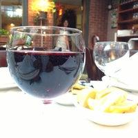 Foto tirada no(a) Villa Mosconi Restaurant por Paul M. em 6/12/2013
