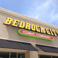 Foto tomada en Bedrock City Comic Company por Wendell K. el 9/21/2013