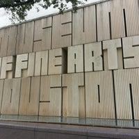 Foto tirada no(a) Museum of Fine Arts Houston por Andy C. em 11/20/2012