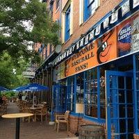 Das Foto wurde bei Pratt Street Ale House von Melissa M. am 7/28/2013 aufgenommen