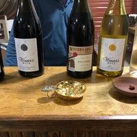 Foto tomada en Winter's Hill Estate Vineyard & Winery por Jesse W. el 11/27/2018