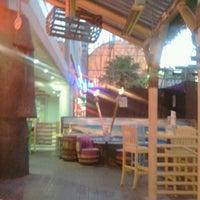 Foto diambil di Mickie Finnz Fish House & Bar oleh Nathan F. pada 9/19/2012