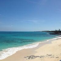 Das Foto wurde bei Sandy Toes, Rose Island von Lisa R. am 4/7/2014 aufgenommen