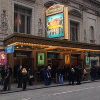 Foto diambil di Longacre Theatre oleh Christopher C. pada 11/10/2012