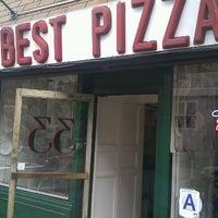 Das Foto wurde bei Best Pizza von Tremain E. am 9/20/2012 aufgenommen