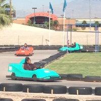 10/4/2012 tarihinde Toni F.ziyaretçi tarafından Las Vegas Mini Gran Prix'de çekilen fotoğraf