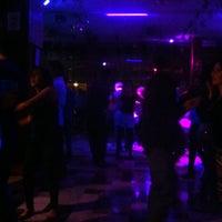 Foto diambil di Salsa Candela Mexico oleh Camargo pada 5/1/2016