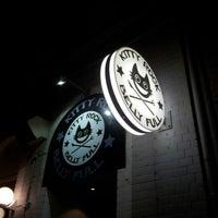 Das Foto wurde bei Kitty Rock Belly Full von Kai M. am 11/16/2012 aufgenommen