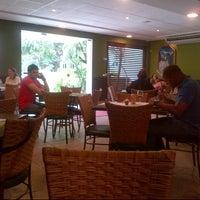 รูปภาพถ่ายที่ Limone Restaurante e Café โดย VB เมื่อ 5/22/2013