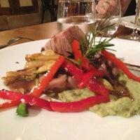 Photo prise au Vino & Cucina par Emilie B. le5/26/2013