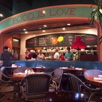 12/24/2013にKimmie T.がLa Grande Orange Cafeで撮った写真