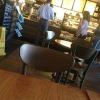 Foto scattata a Starbucks da Liza D. il 6/20/2013