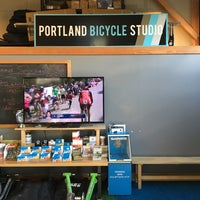 Foto tomada en Portland Bicycle Studio  por Phillip K. el 1/8/2016
