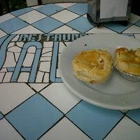 Foto tirada no(a) Restaurante Salete por Claudinha C. em 10/14/2012