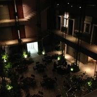 Photo prise au Flor de Mayo Hotel & Restaurant par Brünn G. le3/16/2013