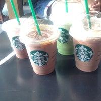 Das Foto wurde bei Starbucks von Nigel W. am 10/3/2013 aufgenommen