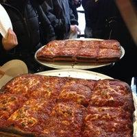 Das Foto wurde bei Prince St. Pizza von Ricky G. am 1/26/2013 aufgenommen
