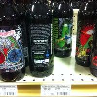 Foto tomada en Binny's Beverage Depot por Jeremiah T. el 2/8/2013