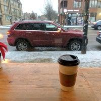 1/12/2017 tarihinde Jeremiah T.ziyaretçi tarafından Ipsento Coffee House'de çekilen fotoğraf